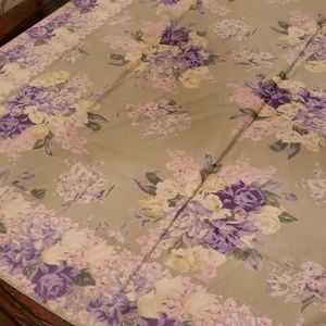 April Cornell Tablecloth 100% Cotton Green Floral